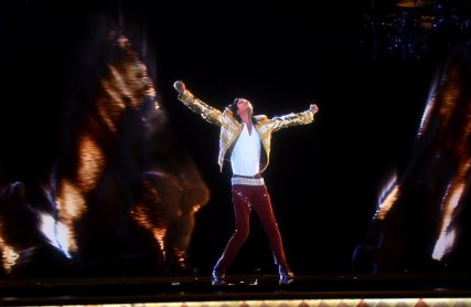 Michael-Jackson-Billboard-Music-Awards-Hologram-2014